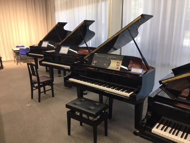 グランドピアノ展示1